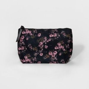 NWT Mossimo Large Pink Floral Pouch